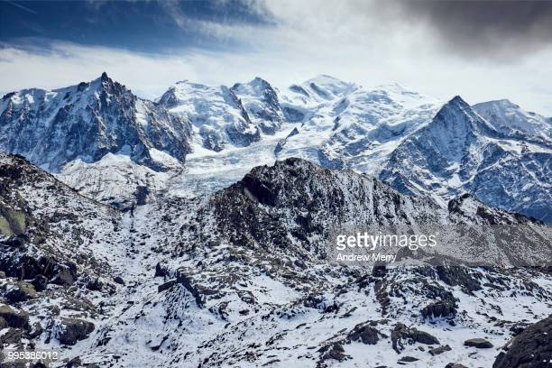 french alps landscape with mont blanc massif, mont blanc summit, peak - pinnacle peak stock pictures, royalty-free photos & images