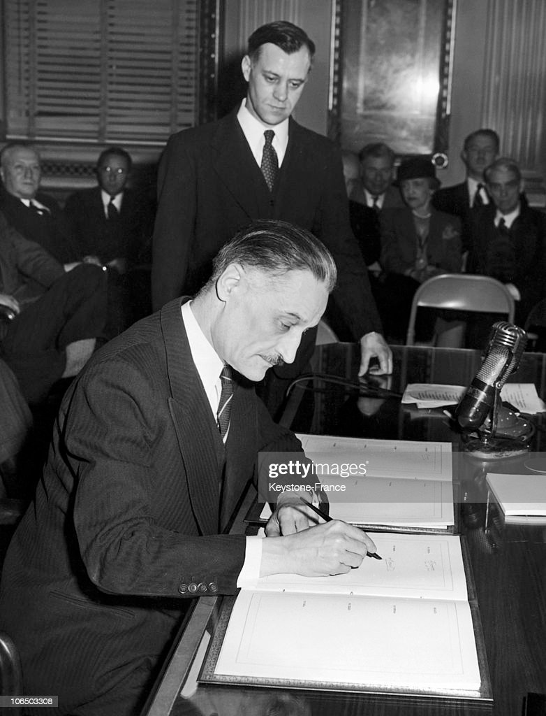 Henri bonnet signing bretton woods agreement in the usa 1944 french ambassador in the united states henri bonnet signing bretton woods agreement in the usa platinumwayz