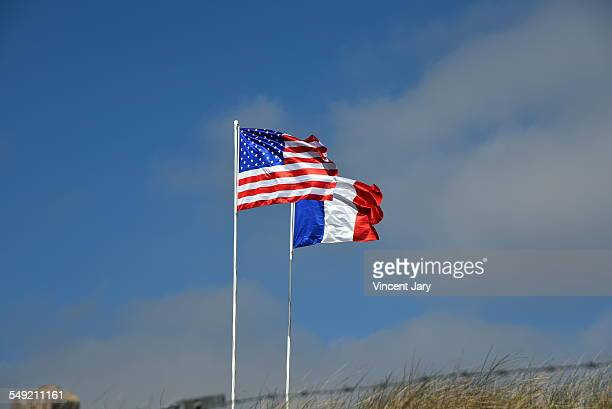 French and American flag at Utah beach