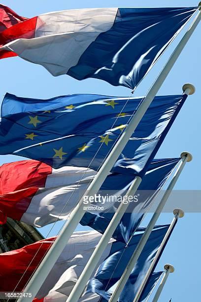 Französische und europäische Flaggen