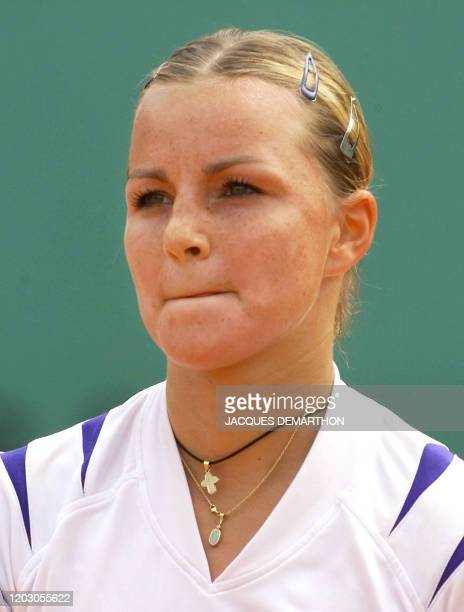 French AnneGaelle Sidot bites her lips during her third round match vs Spanish Marta Marrero 03 June 2000 at the French Open in Roland Garros in...
