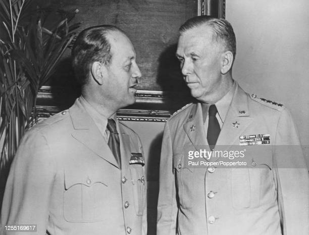 French Army general Antoine Bethouart on left meets with General George Marshall Chief of Staff of the United States Army at a dinner to honour...