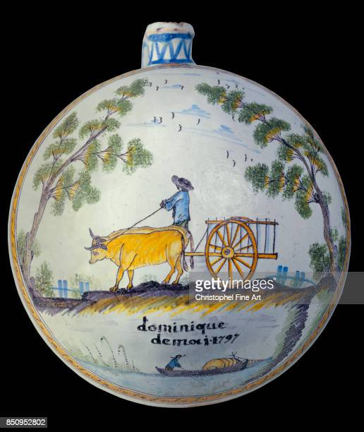 Flask 'Dominique' May 1797 Nevers musee Frederic Blandin