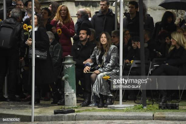 French artist Izia Higelin attends the funeral of French singer Jacques Higelin at the Pere Lachaise cemetery in Paris on April 12 2018 Singer...