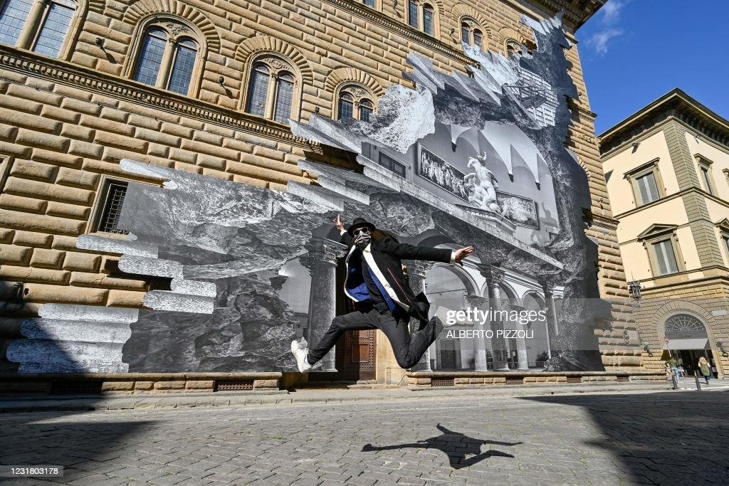 TOPSHOT-ITALY-FRANCE-HEALTH-VIRUS-ART-JR-FLORENCE : Foto di attualità
