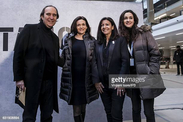 F French businessman Xavier Niel Facebook COO Sheryl Sandberg Mayor of Paris Anne Hidalgo and Director of Station F Roxanne Varza pose after their...