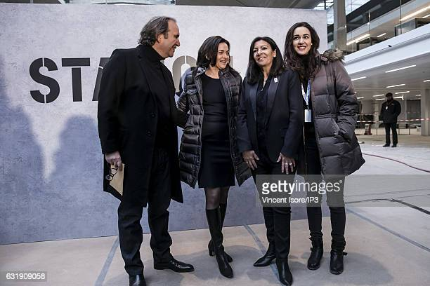 French businessman Xavier Niel Facebook COO Sheryl Sandberg Mayor of Paris Anne Hidalgo and Director of Station F Roxanne Varza pose after their...