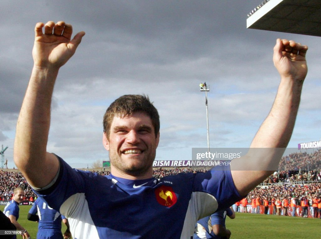 French captain Fabien Pelous celebrates his victory against Ireland after the VI Nations rugby union match, 12 March 2005 at Landsdowne Road stadium in Dublin. France won 26-19.