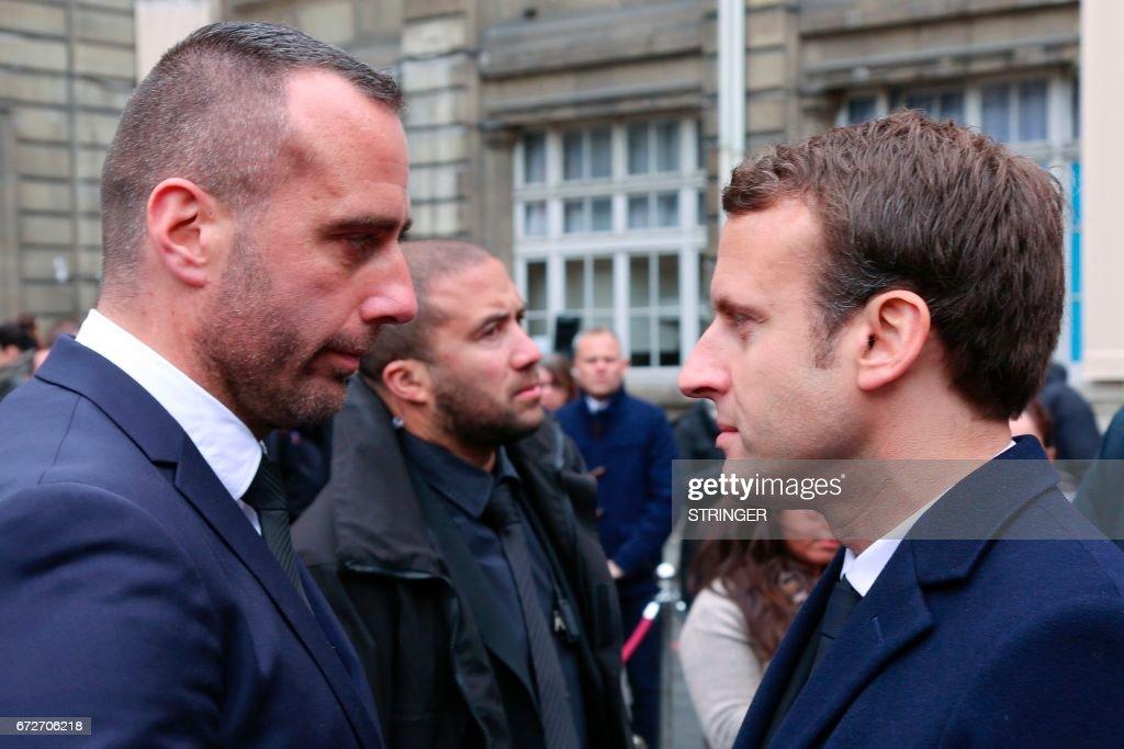 FRANCE-POLITICS-GOVERNMENT-VOTE-TERROR : News Photo