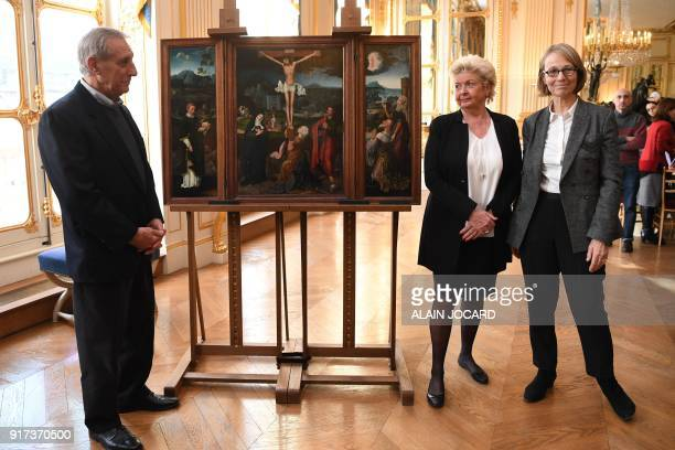 French Culture Minister Francoise Nyssen poses with Henrietta Schubert and Christopher Bromberg right holders and grandchildren of Henry and Hertha...