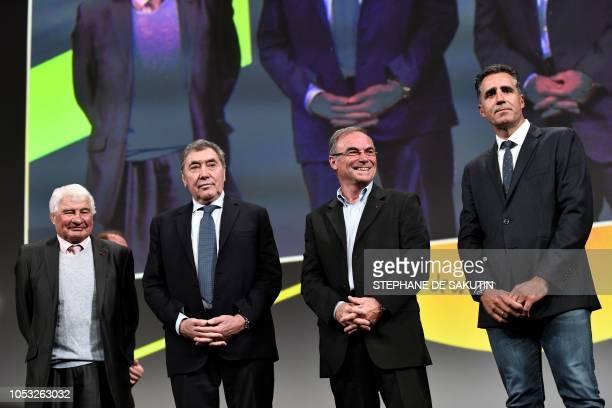 TOPSHOT French cyclism legend Raymond Poulidor fivetime Tour de France winner Belgium's Eddy Merckx fivetime Tour de France winner France's Bernard...