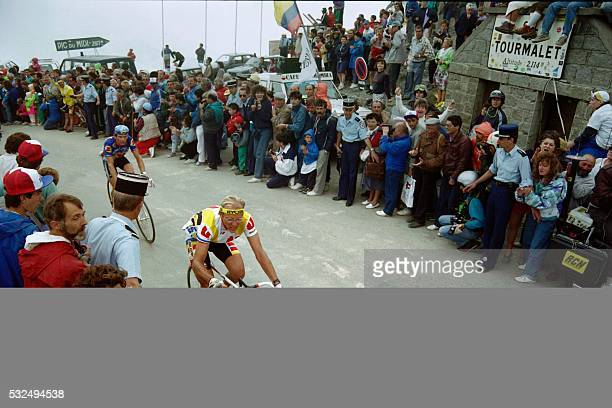 French cyclist Laurent Fignon rides during the tenth stage of the Tour De France cycling race on July 11, 1989 between Cauterets and Superbagnere. /...