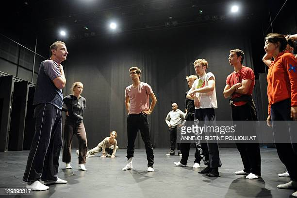 French dancer and chorographer Michel Kelemenis speaks with dancers of the Geneva's Great Theatre on October 21 2011 at the Maison pour la danse Klap...
