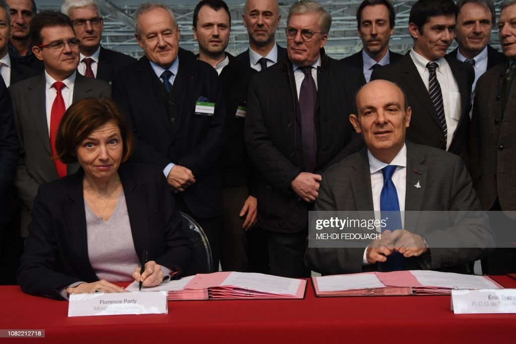 FRANCE-POLITICS-DEFENCE : News Photo