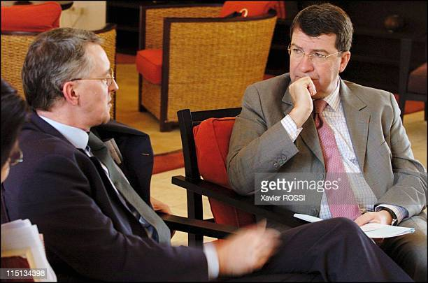 French deputy cooperation minister Xavier Darcos and British international development secretary Hilary Benn on visit to Niger and Zambia in Niamey...