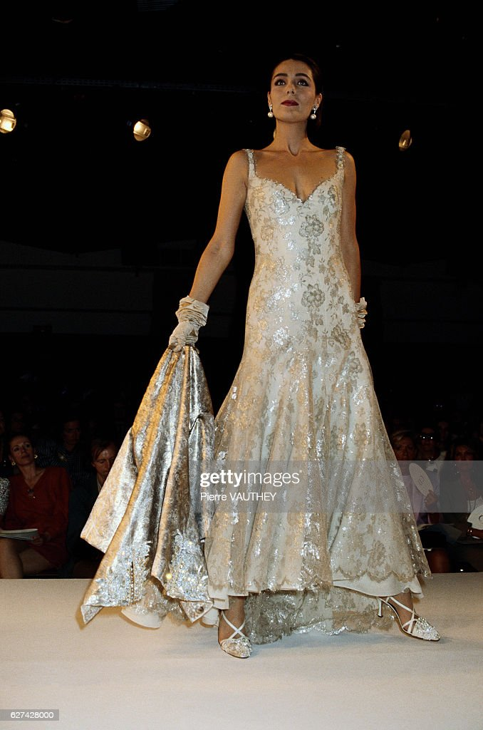 Christian Dior 1990-1991 Winter Fashion Show Pictures | Getty Images
