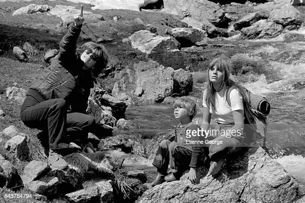French director Nadine Trintignant on the set of her film Premiere Voyage with her children actor Vincent and actress Marie The children's father is...