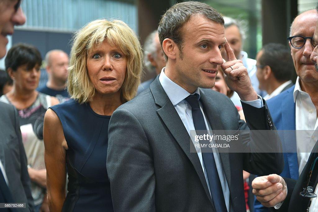 FRANCE-POLITICS-ECONOMY-MUSEUM-MACRON : News Photo