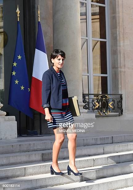 French Education minister Najat VallaudBelkacem leaves after a cabinet meeting on September 8 2016 at the Elysee presidential Palace in Paris / AFP /...