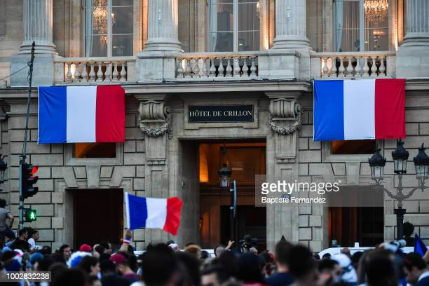 French fans wainting in front of Hotel de Crillon Team France football players for a last celebration during the France team victory ceremony at...