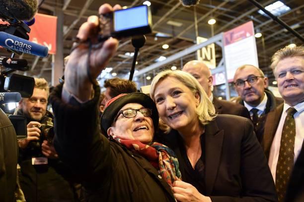 Marine Le Pen Salon De L Agriculture