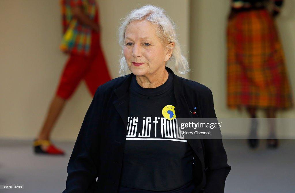 Agnes B : Runway - Paris Fashion Week Womenswear Spring/Summer 2018