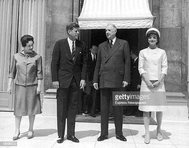 French First Lady Madame de Gaulle American President John F Kennedy French President Charles de Gaulle and American first lady Jacqueline Kennedy...