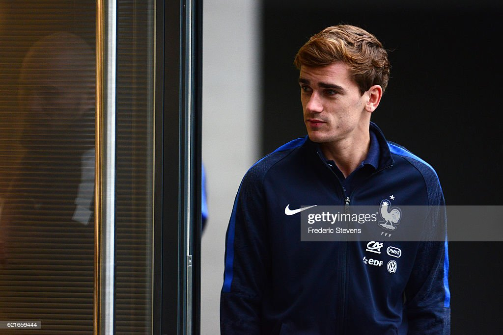 French Football Team forward Antoine Griezmann arrives for a press conference before the training session on November 7, 2016 in Clairefontaine, France. The first training ahead of the team upcoming qualifying match next friday against Sweden for the 2018 World Cup.