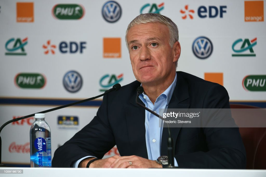 France Soccer Team Coach Didier Deschamps Gives His Team Selection For France Soccer Team Training Session : Foto jornalística