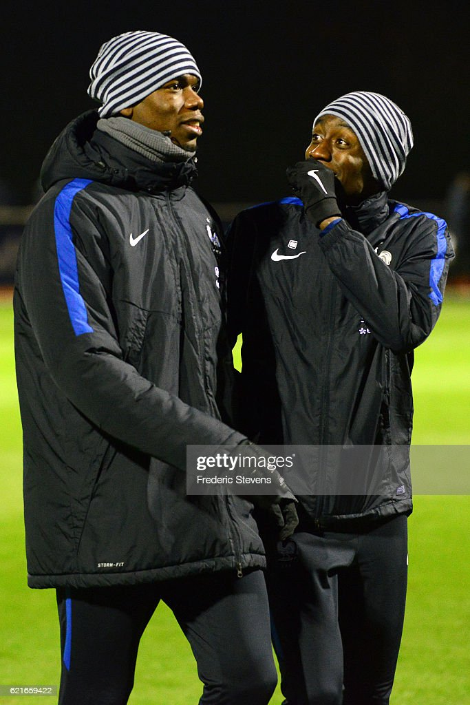 French Football Team midfielder Paul Pogba (L) and Blaise Matuidi (R) during the training session on November 7, 2016 in Clairefontaine, France. The first training ahead of the team upcoming qualifying match next friday against Sweden for the 2018 World Cup.