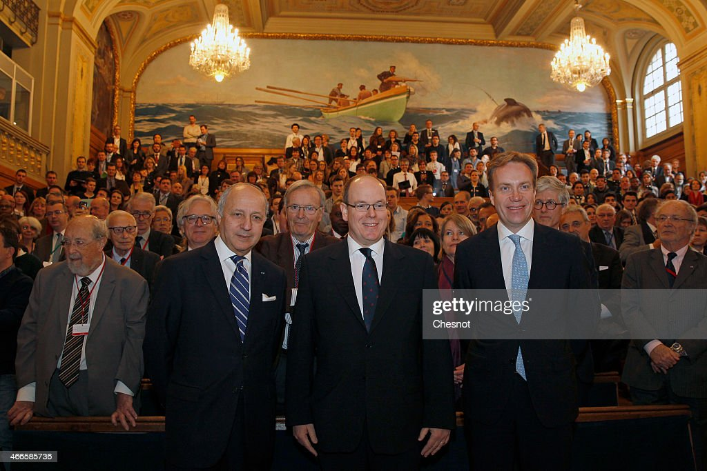 'The Arctic As An Early Warning Sentinel Of Climate Change' Conference In Paris : News Photo