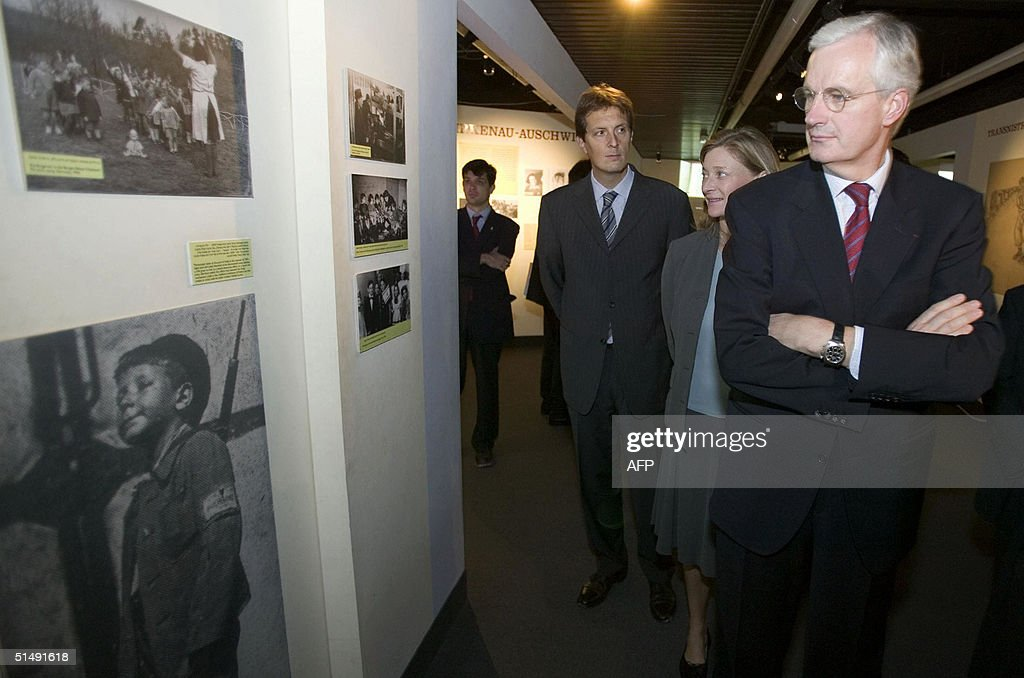 French Foreign Minister Michel Barnier f : News Photo