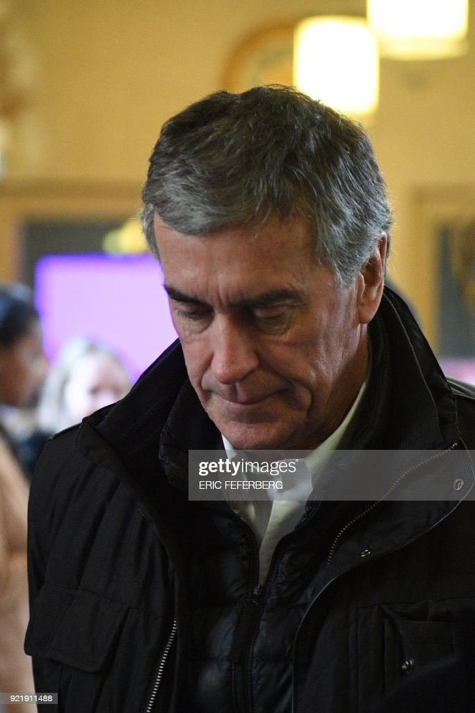 French former budget minister Jerome Cahuzac reacts as he arrives at Paris' courthouse on February 21, 2018 for the last day of his appeal trial on tax fraud and money laundering. French prosecutors asked on February 20, 2018 a court to uphold the three-year, tax-fraud sentence of a former Socialist budget minister who stashed hundreds of thousands of euros in a Swiss bank account. Jerome Cahuzac was forced to resign from government in 2013 after it emerged that that he had been squirreling away undeclared cash from his lucrative Parisian hair transplant clinic. PHOTO / Eric FEFERBERG