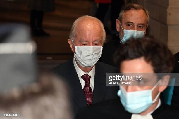"""French former Prime Minister Edouard Balladur arrives for his trial over alleged campaign graft in the so-called """"Karachi affair"""" on January 19, 2021..."""