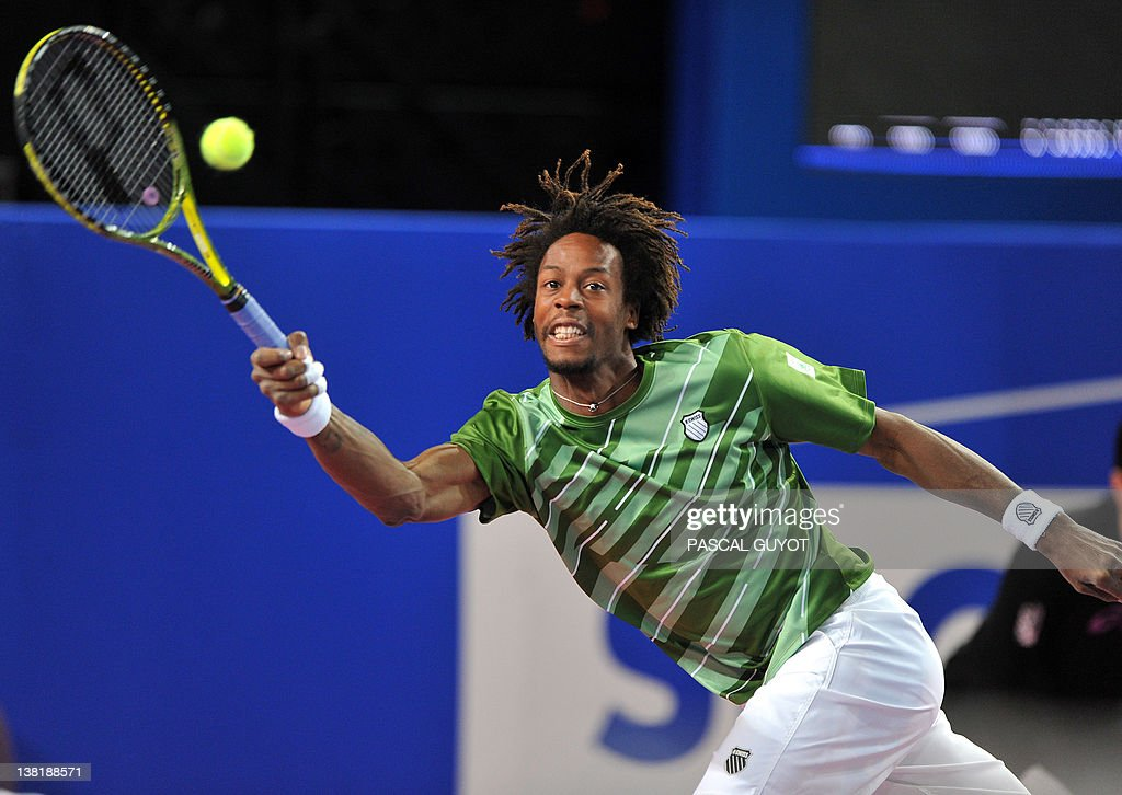 French Gael Monfils returns the ball to : News Photo