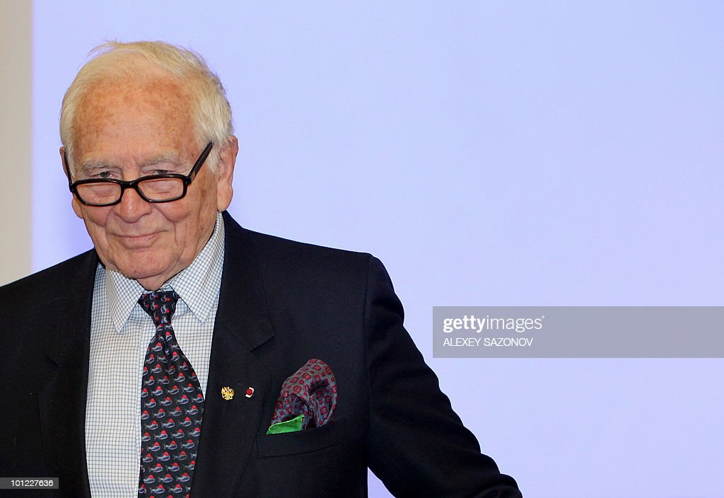 French haute couture designer Pierre Cardin attends a press conference in Moscow on May 28, 2010. Cardin is on a working business trip to Russia. AFP PHOTO / Alexey SAZONOV