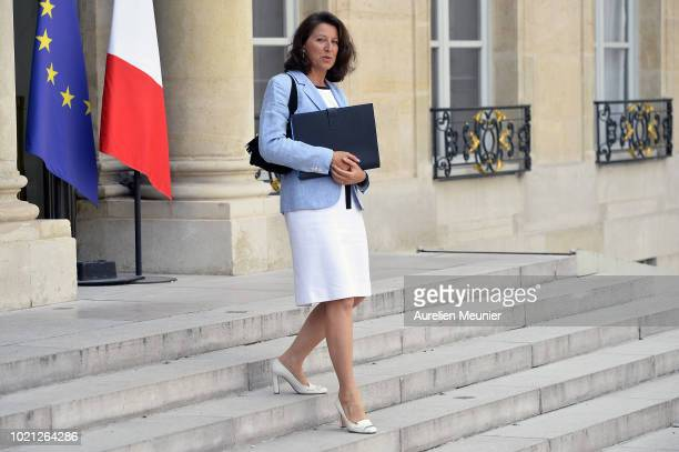 French Health and Solidarity Minister Agnes Buzyn leaves the Elysee Palace after the weekly cabinet meeting on August 22 2018 in Paris France