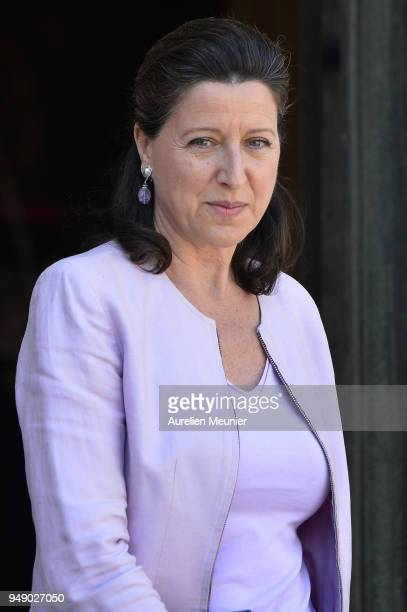 French Health and Solidarity Minister Agnes Buzyn leaves the Elysee Palace after the weekly cabinet meeting on April 20 2018 in Paris France