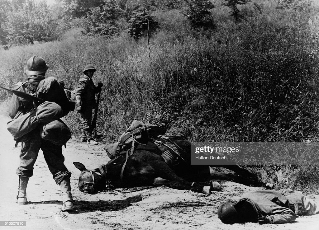 Victims of German Shell : News Photo