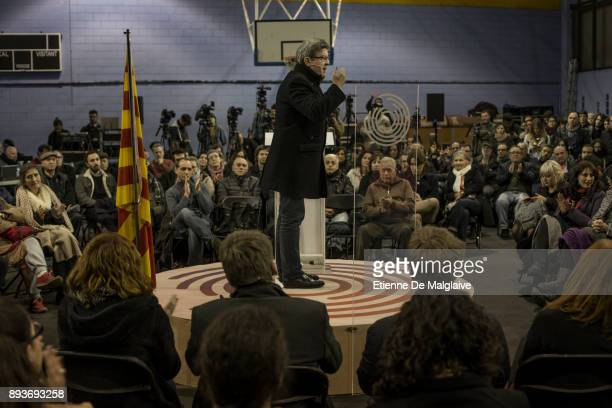 French Jean Luc Melenchon leader of Les Insoumis movement delivers a speech at a meeting with En Comu Podem party ahead of Catalan Parliament...