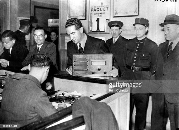 French Jews forced to hand in their radio sets to the police occupied Paris September 1941