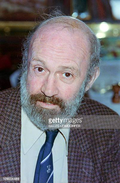 French journalist and writer Antoine Blondin poses on May 31 1988 in Paris AFP PHOTO GILLES LEIMDORFER
