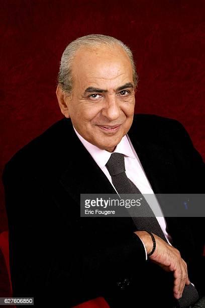 French journalist Pierre Benichou on the set of the TV show Piques et Polémiques