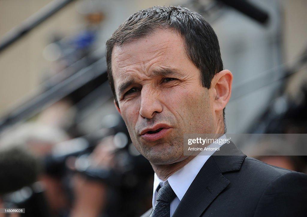 French Cabinet Meeting At Elysee Palace - May 23, 2012 : News Photo