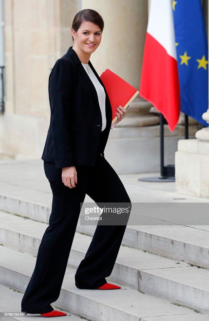 International Day For The Elimination Of Violence Against Women At Elysee Palace : ニュース写真