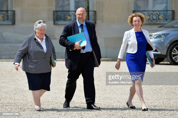 French junior Minister Jacqueline Gourault French Agriculture Minister Stephane Travert and French Minister of Labor Muriel Penicaud leave the Elysee...