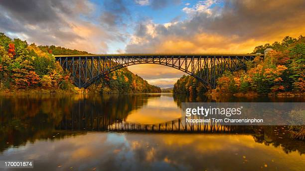 french king bridge in fall - massachusetts stock pictures, royalty-free photos & images