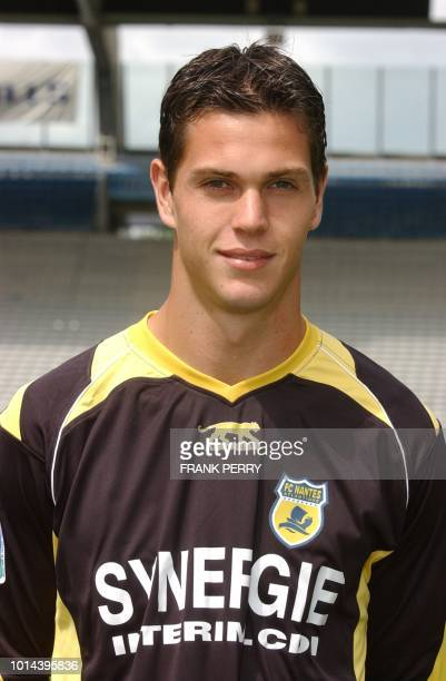 French L1 football club Nantes substitute goalkeeper Vincent Briant poses 01 August 2006 at La Beaujoire stadium in Nantes AFP PHOTO FRANK PERRY