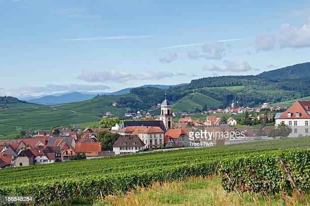 Paysage français: Village en Alsace