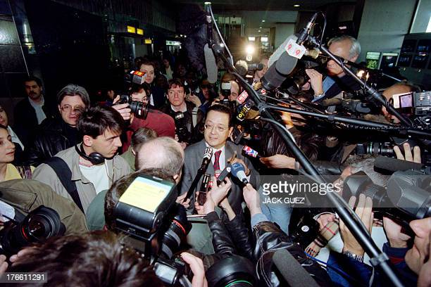 French lawyer Jacques Verges, Charles Sobhraj defense attorney, answers to the press, on April 08, 1997 at the airport of Roissy before the arrival...